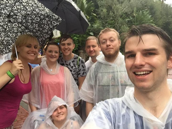 The pros of visiting a theme park in the rain!