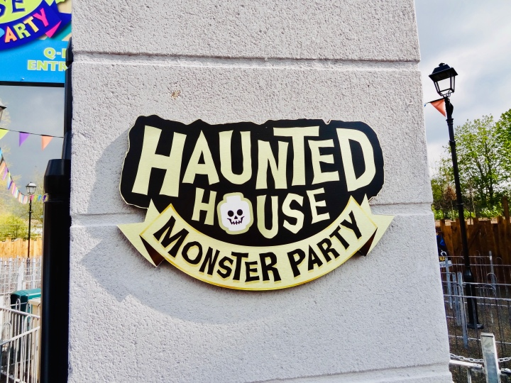 haunted house monster party